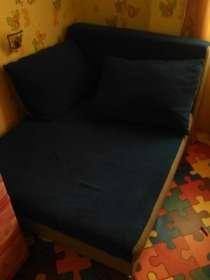 Продаётся синий диван в отличном состоянии, в Благовещенске