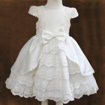 Платье белое, праздничное, нарядное, кружевное, в г.Днепропетровск