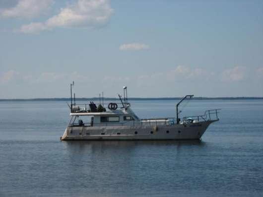 Продается яхта моторная срочно