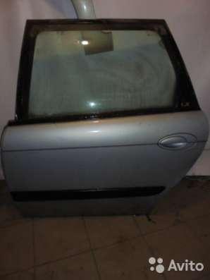Дверь задняя левая в сборе на Citroen C5