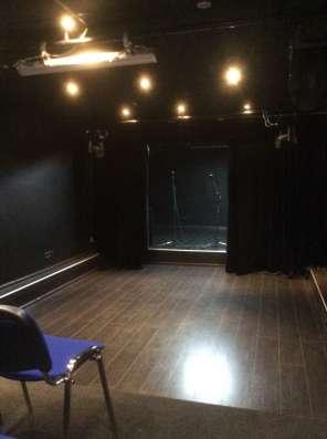 Концертный зал со сценой м. Университет в Москве Фото 2