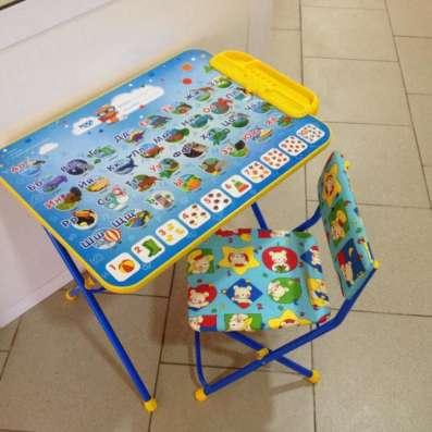 Комлект детской мебели с азбукой