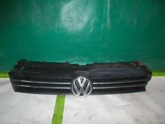 Volkswagen Polo Седан 2010-2014.Решётка Радиатора б/у оригин