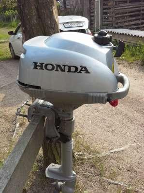 Продам хонда 2.3 лодочный мотор