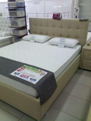 Кровать для молодоженов