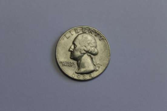 LIBERTY QUARTER DOLLAR 1984