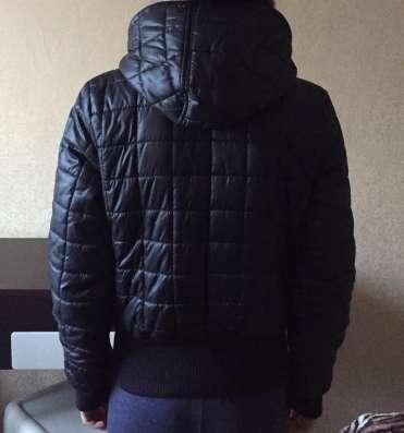 Весенний пуховик Adidas, размер s в Москве Фото 1