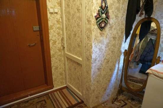 Бревенчатый жилой дом в деревне, недалеко от города, в Ярославле Фото 3