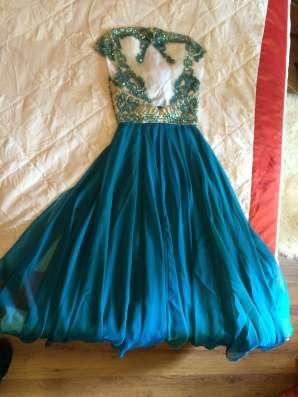 Платье от Sherri Hill