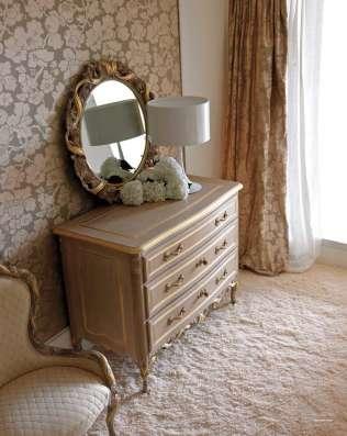 Комоды, зеркала
