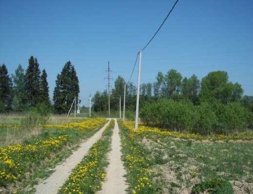 Продается земельный участок 25 соток (под ЛПХ) в с.Тропарево, Можайский р-он, 110 км от МКАД по Минскому шоссе.