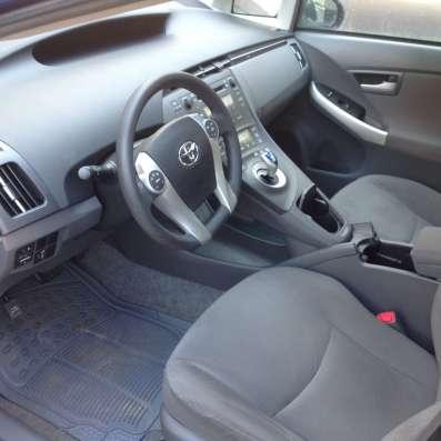Toyota Prius 2010 год