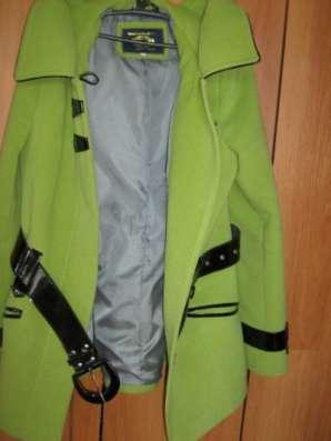 Продается салатовое пальто в г. Сарапул Фото 2
