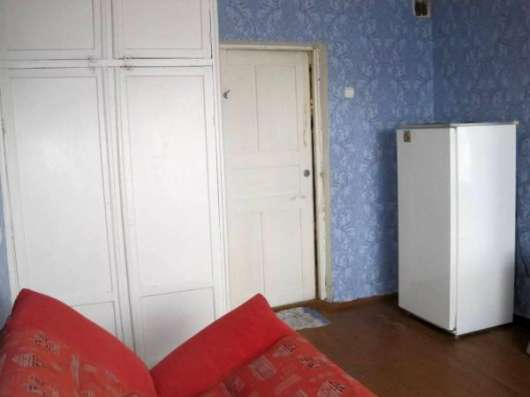 комнату в общежитии Геологоразведчиков