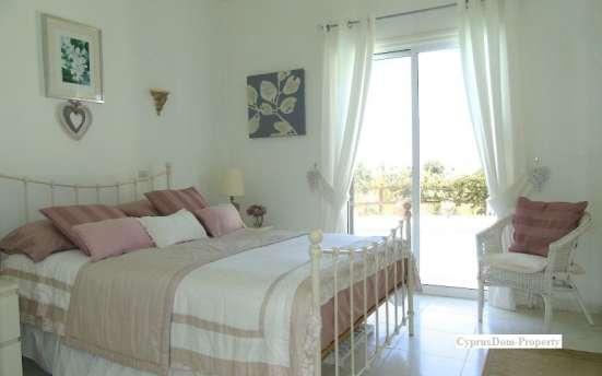 Четырехкомнатная Вилла с видом на море в районе Пафоса-Кипра