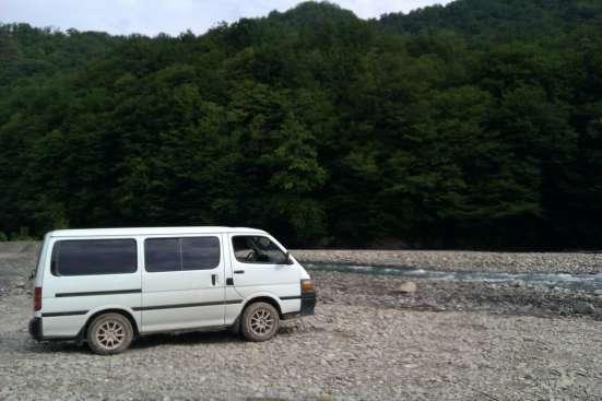 Машина Toyota HiAce