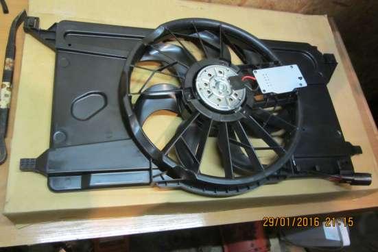 Диффузор с вентилятором Ford Focus 2