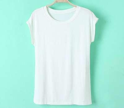 футболка кремового цвета