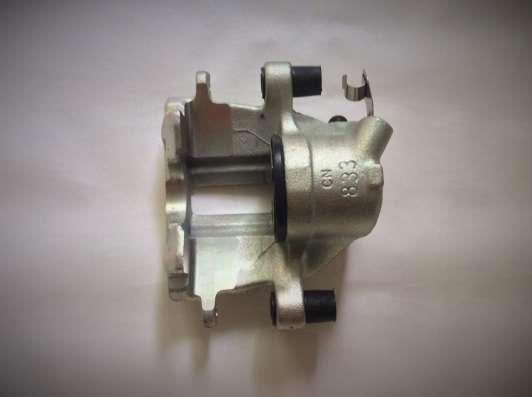 Суппорт тормозной BHW300 Lucas AUDI 80/90/100
