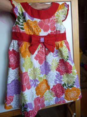 Практически новое нарядное ХЛОПКОВОЕ платье р104