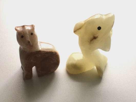 Фигурки из камня Оникса