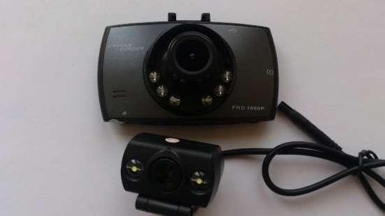 Видеорегистратор на 2камеры, с функцией парковки