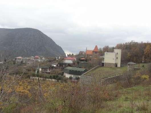 Продается участок 50 соток в поселке Лавровое