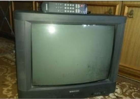 Телевизоры LG - 64 см, Samsung - 51 см, состояние новых