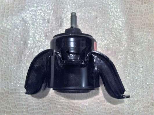 Опора двигателя 218101W000 hyundai/KIA
