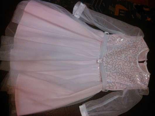 Продам платье на девочку 4 - 5 лет