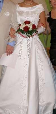 Продается белое свадебное платье в Ханты-Мансийске Фото 1
