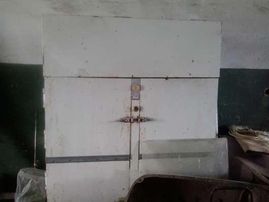 Продам кубовый холодильник