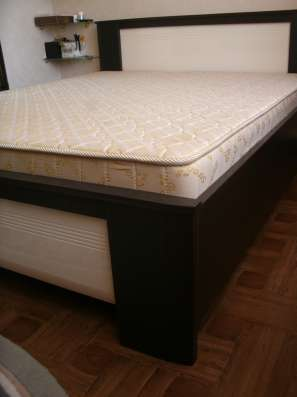 Продам двуспальную кровать с матрасом в Краснодаре Фото 2
