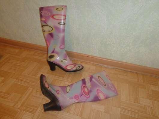 Резиновые сапожки 250 рублей