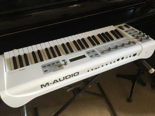 Виртуальный синтезатор M-Audio Venom USB в Санкт-Петербурге Фото 1