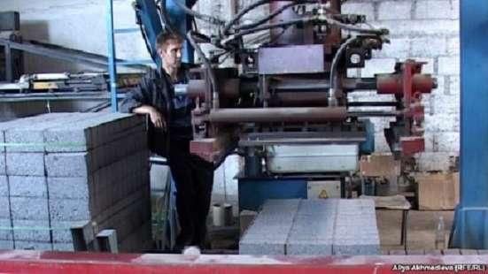 Требуется слесарь-наладчик производственного оборудования
