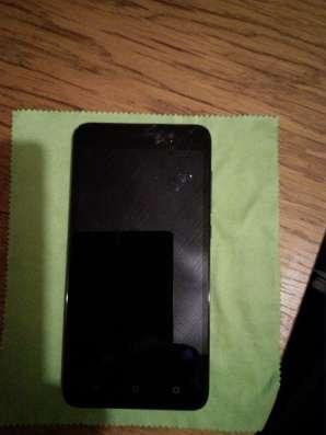 Продвм телефон Honor 4X, с трещиной на экране