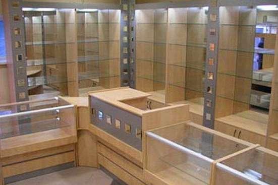 Торговая мебель под заказ в Киеве и Сумах.