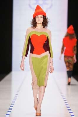Продаю дизайнерское платье LAROOM