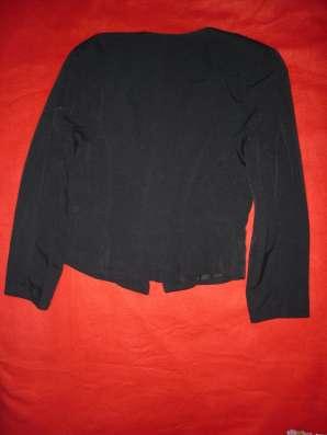 Стильная легкая курточка (Франция)
