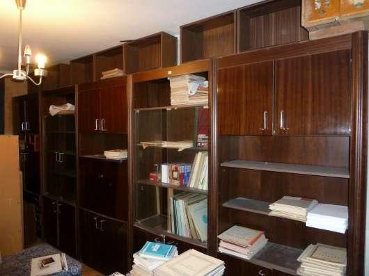 Шкафы и стенки в отличном состоянии. Символическая цена