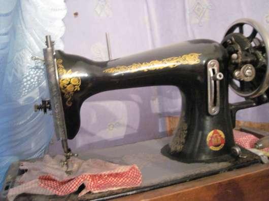 Продажа фортепиано, швейной машинки и печатной машинки в Санкт-Петербурге Фото 1