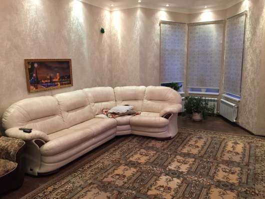 Продаю двухэтажный дом на улице Попова